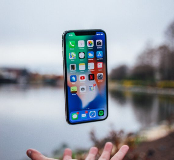 Apple iPhone 12 64GB – czy warto się w niego zaopatrzyć?
